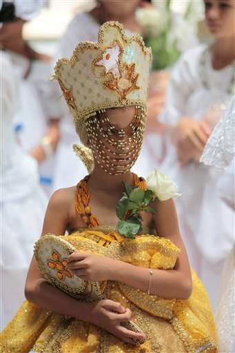 girl playing Oshun