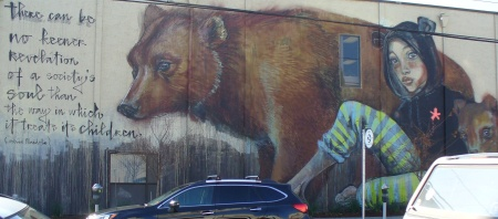 20181213-093-walk-through-sacramento-mural.jpg