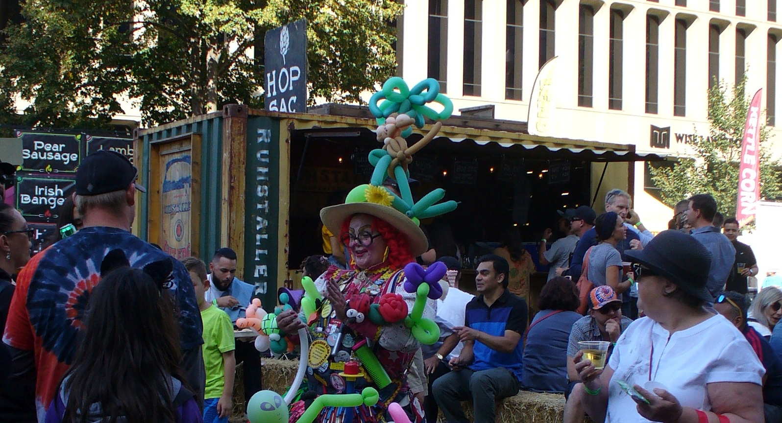 farm-to-fork-festival-balloon-lady-20190928-139