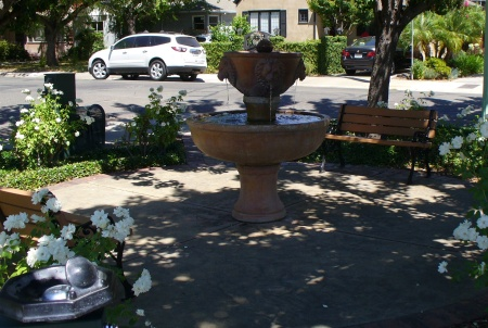 fountain-at-48th-and-m-sac-20190720-121