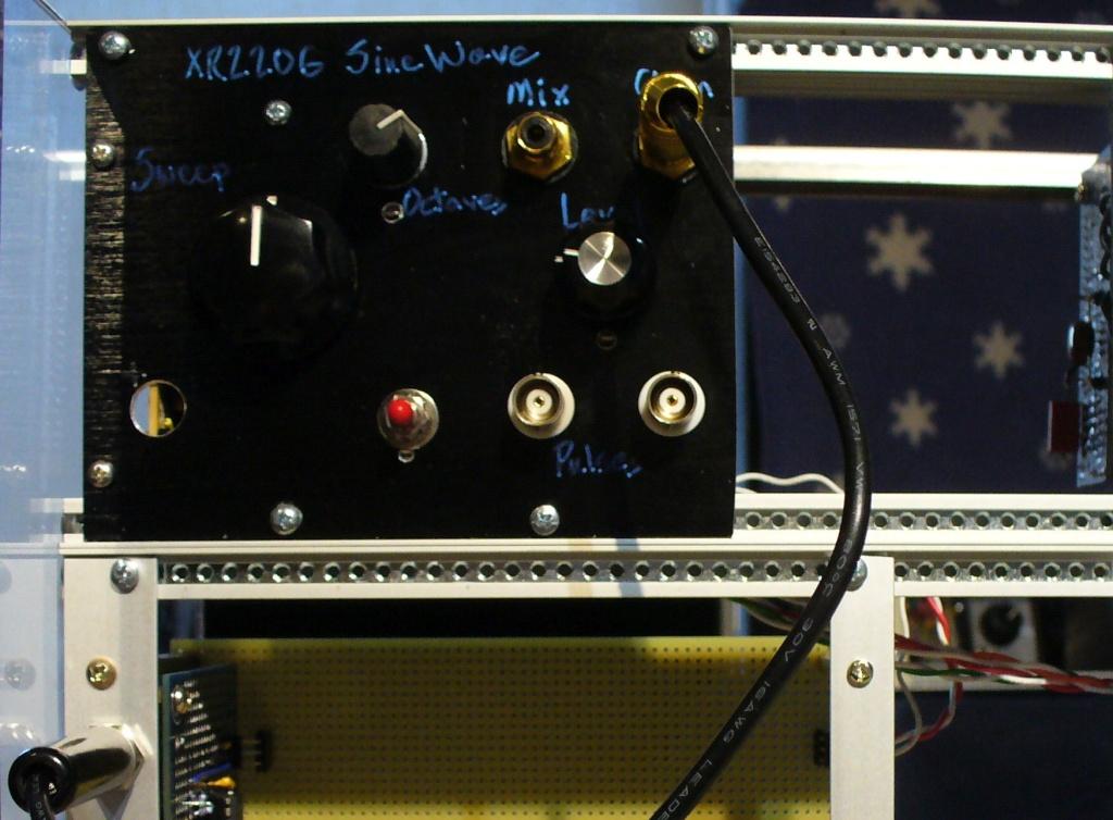 XR2206 oscillator
